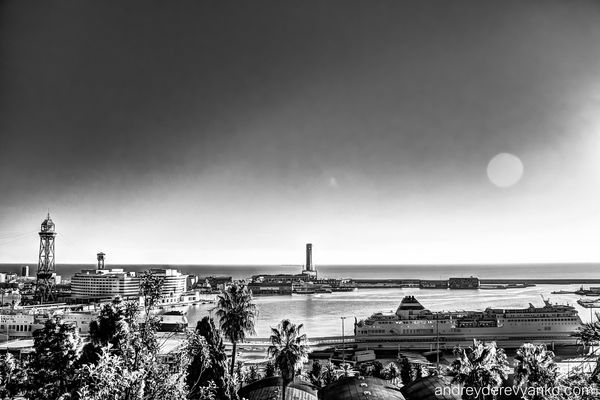 Barcelona Port Christmas Morning. barcelona, blackandwhite, spain, europe, view, catalonia, vista, hdr, mirador, montjuic. buy photo